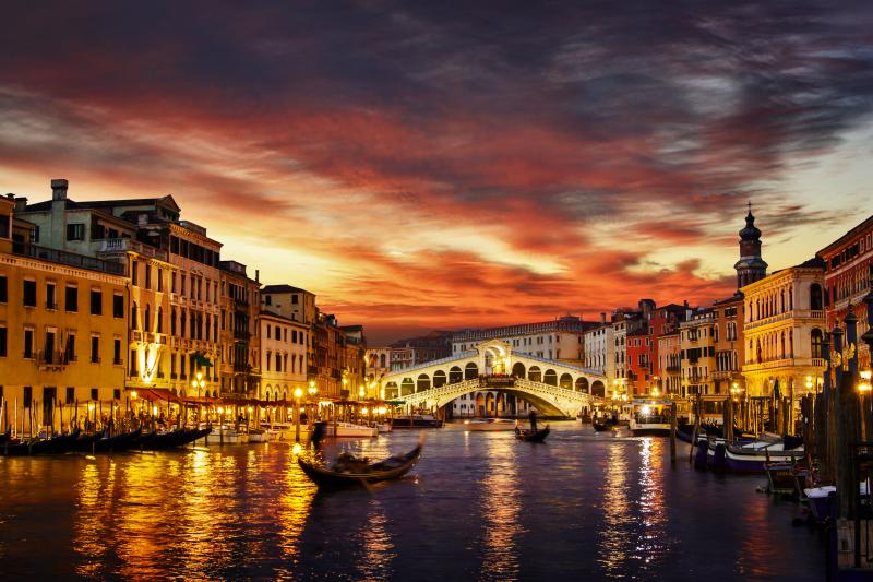 Urban art - Venice by night