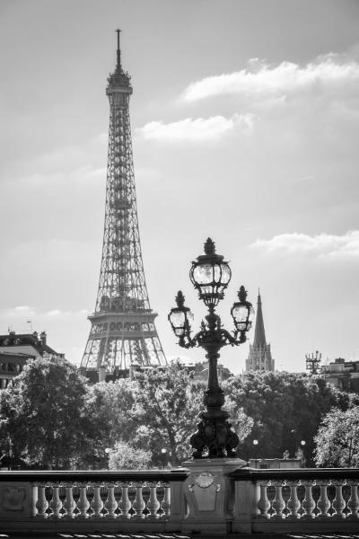 Urban art - Paris Romantic