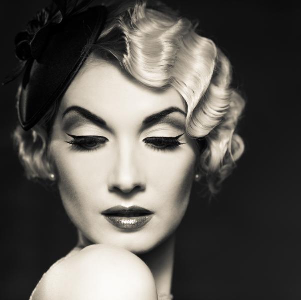Artistic Beauty - Classy lady