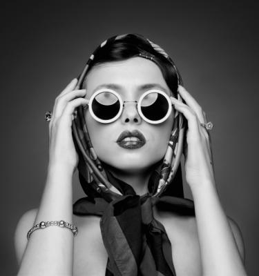 Artistic Beauty - Mademoiselle