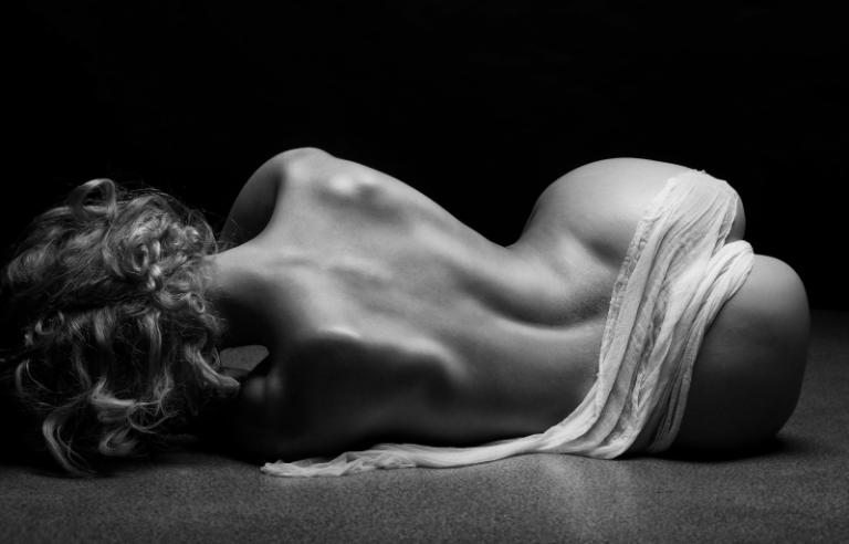 Artistic Beauty - Silhouette