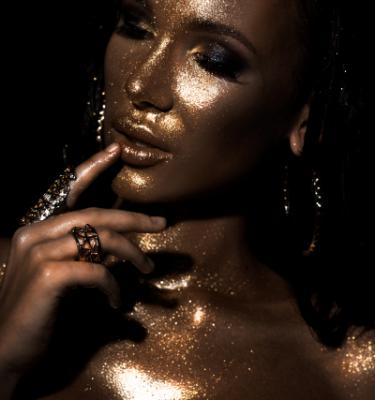 Artistic Beauty - Glitters & Gold