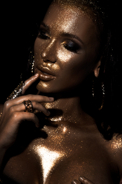 Artistic Beauty - Glitters & Gold